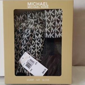 Michael Kors Hat Scarf Gloves Set BLK & BRN